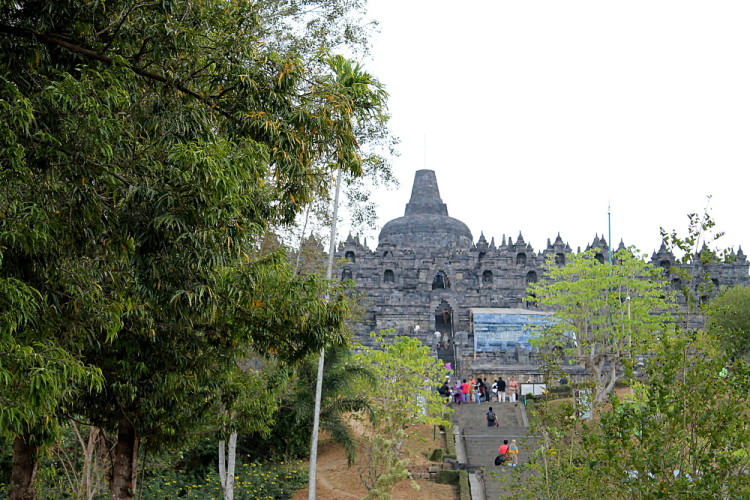 Borobudur temple, a great attraction to see during a week in Java
