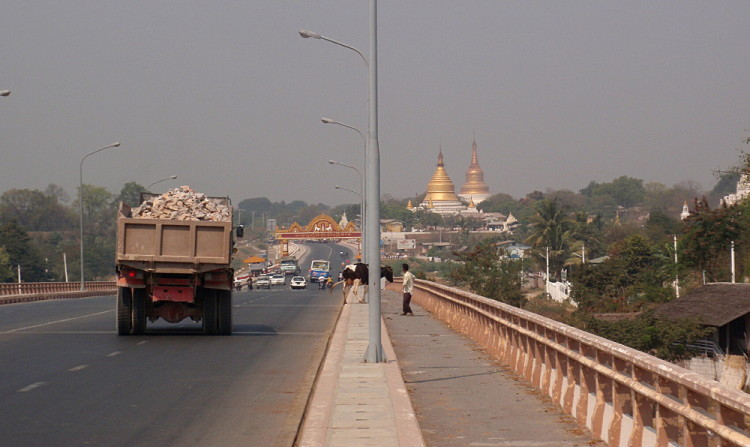 The road to Sagaing, one of the old capitals in Mandalay, Myanmar
