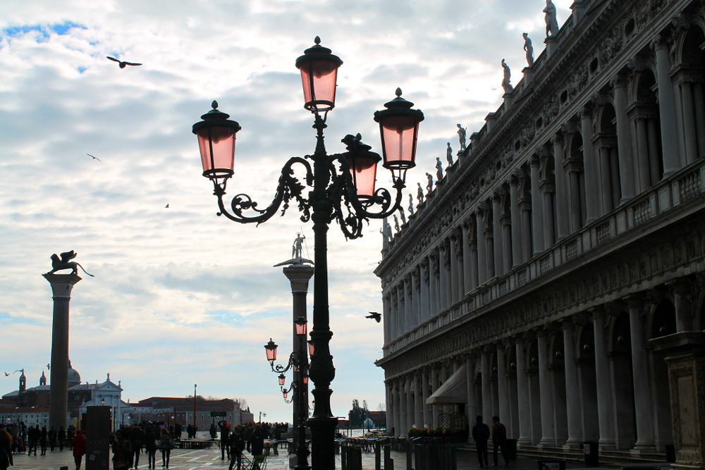 A year on the road: Street lights in Venice