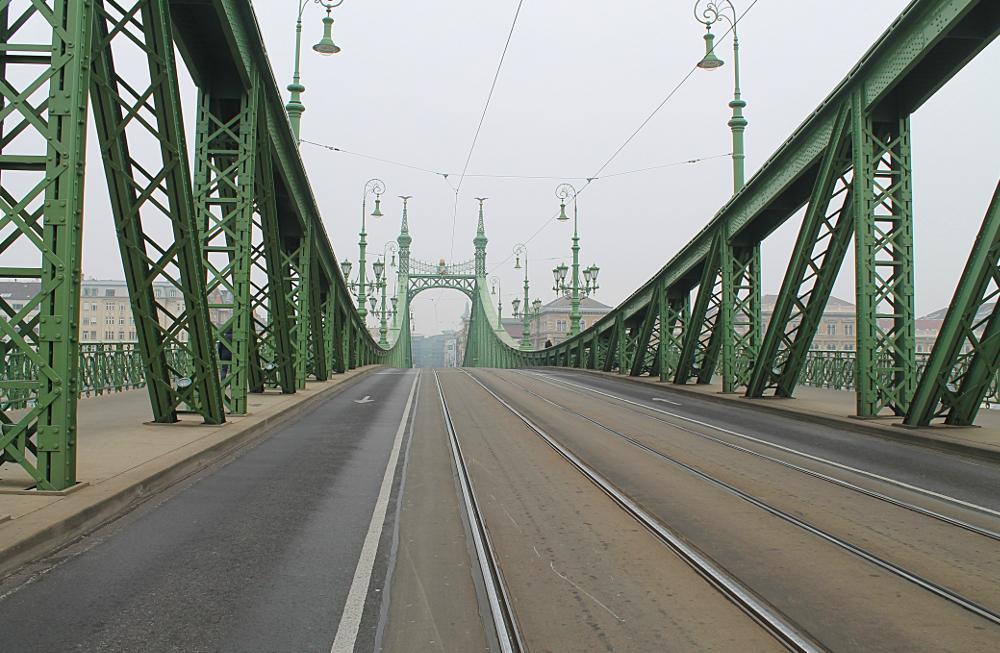 bridge-in-budapest