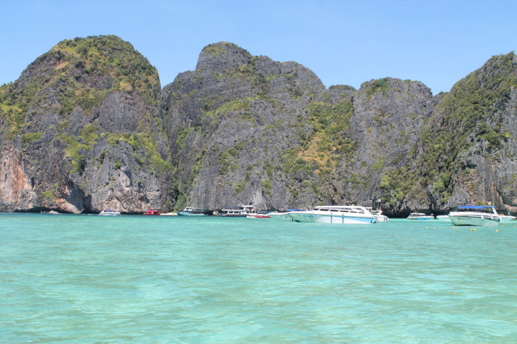 island hopping - a great option if you go to Koh Phi Phi