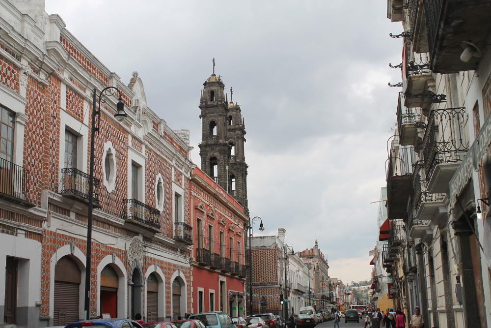 puebla-colonial-streets-mexico