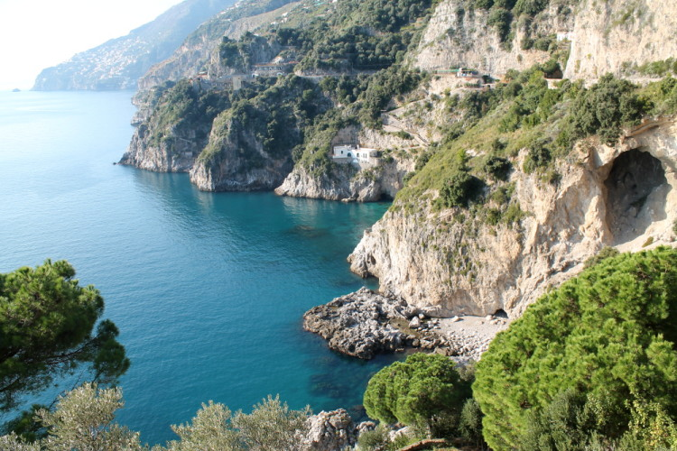Day trips to the Amalfi Coast - great seaside views!