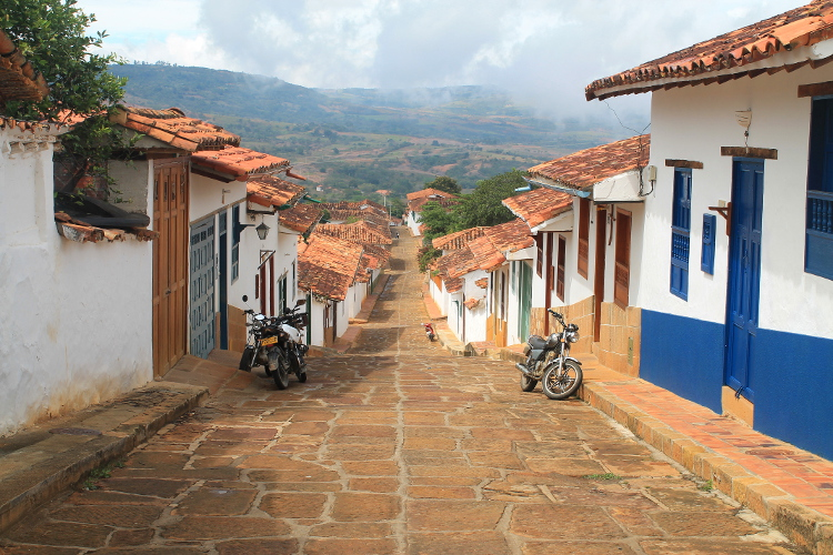 Walking the Camino Real from Barichara to Guane - a street just before the path