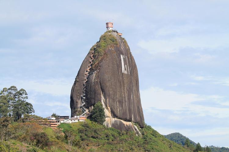 big-rock-guatape