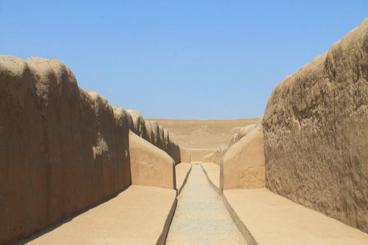 Desert ruins in northern Peru: Deserted Chan Chan
