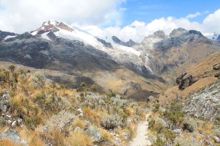 laguna-69-trek-best-day-walk-south-america