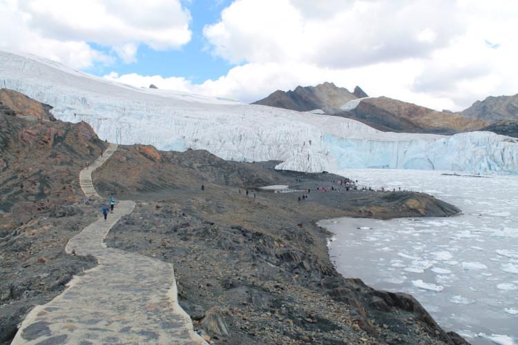 pastoruri-glacier-huaraz-peru