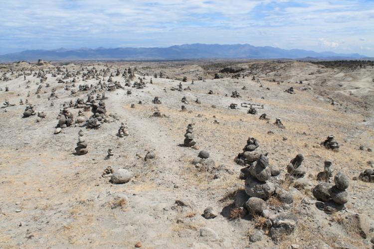 walking-red-desert-grey-desert-tatacoa-colombia