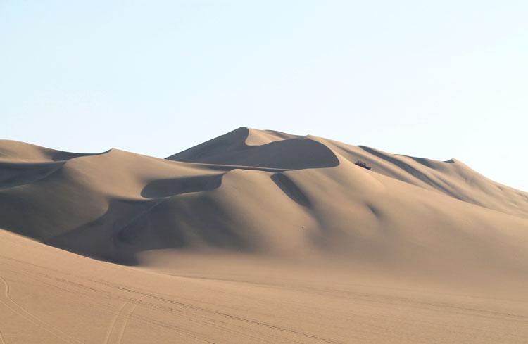 sand-dunes-huacachina-peru