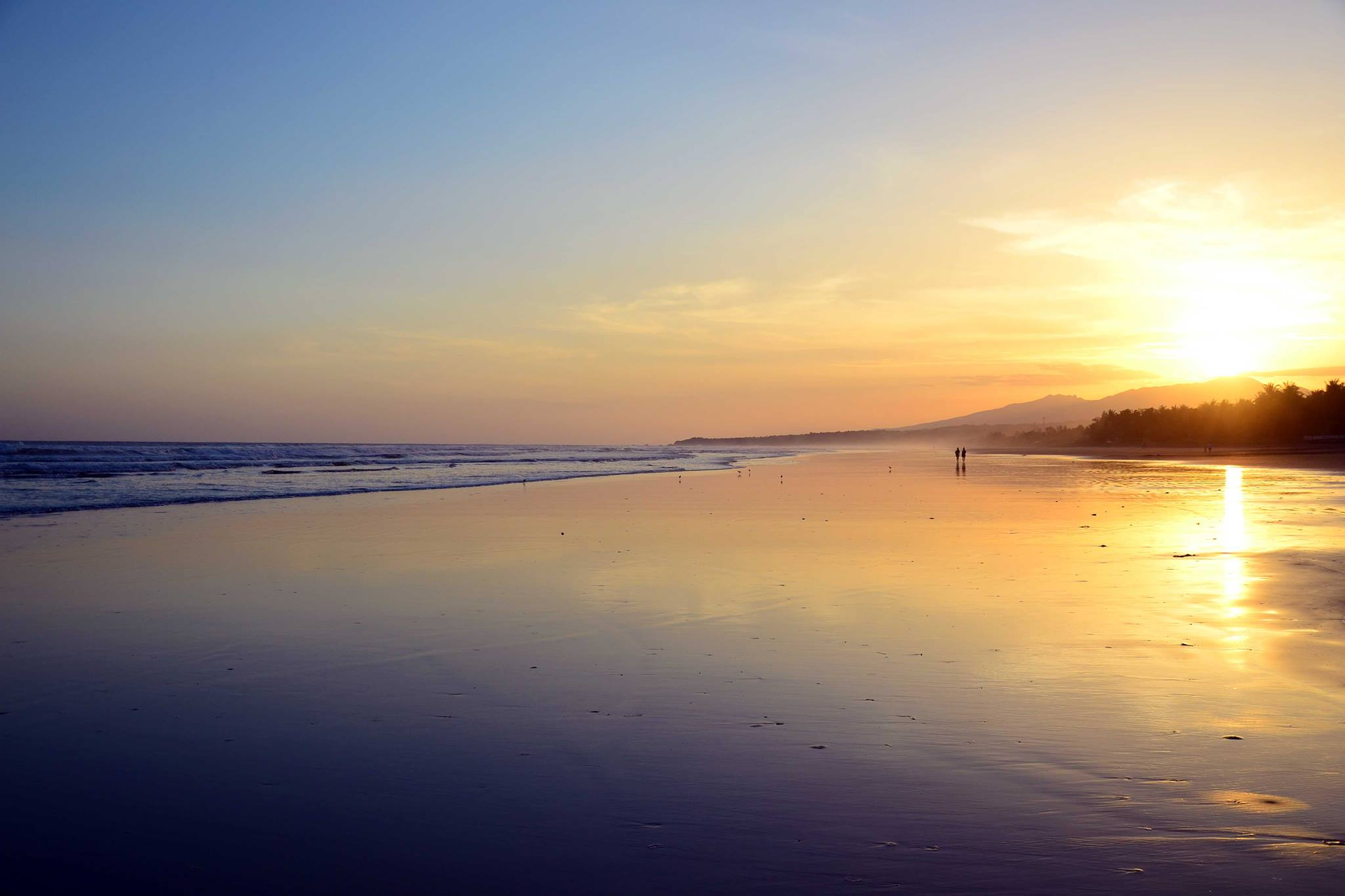 Best beaches in Central America - El Cuco, El Salvador