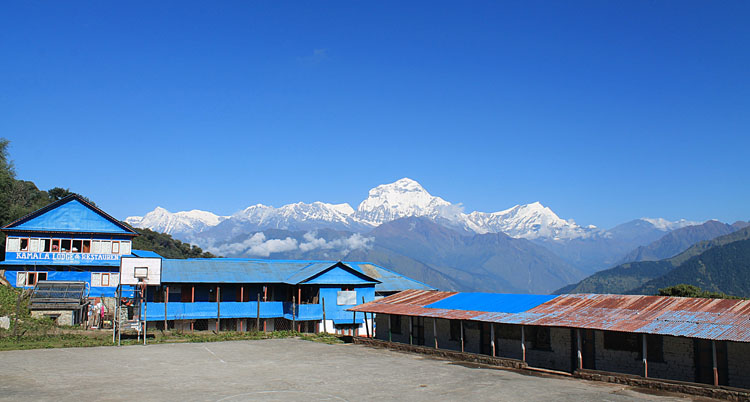 The 4 day Poon Hill Trek, Nepal : Annapurna Range in the Himalayas
