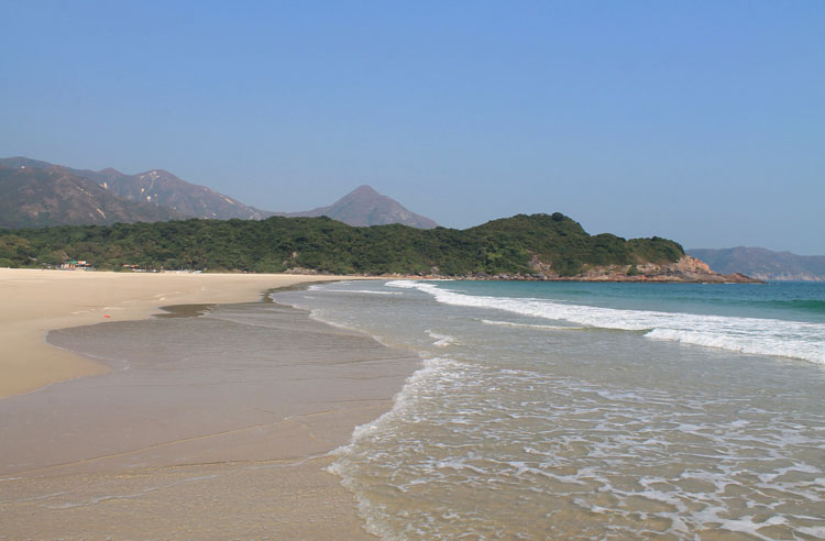 Backpacking in Hong Kong: A beach in the New Territories