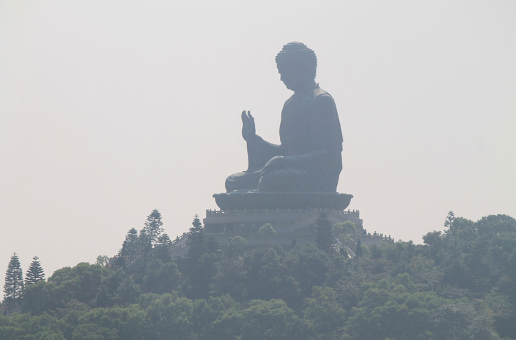 Backpacking in Hong Kong: The Big Buddha