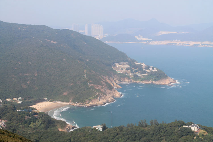Backpacking in Hong Kong: Big Wave Bay / The Dragon's Back Trail