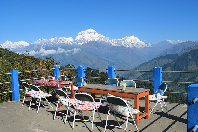 The 4 day Poon Hill Trek, Nepal : Ghorepani Village and the Himalayas