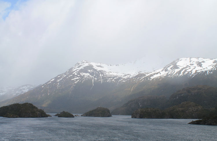 A budget cruise through Patagonia on the Navimag ferry from Puerto Montt to Puerto Natales: Amazing scenery
