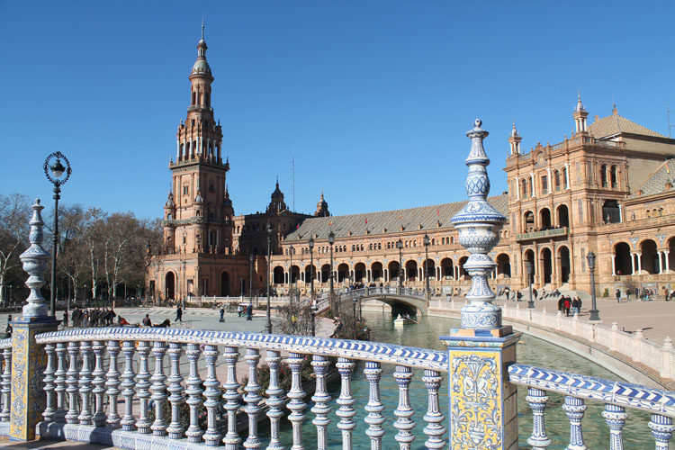 seville muslim personals Santa cruz, seville  when ferdinand iii of castile conquered the city from muslim  the barrio de santa cruz is a labyrinth of narrow streets and alleys dating .