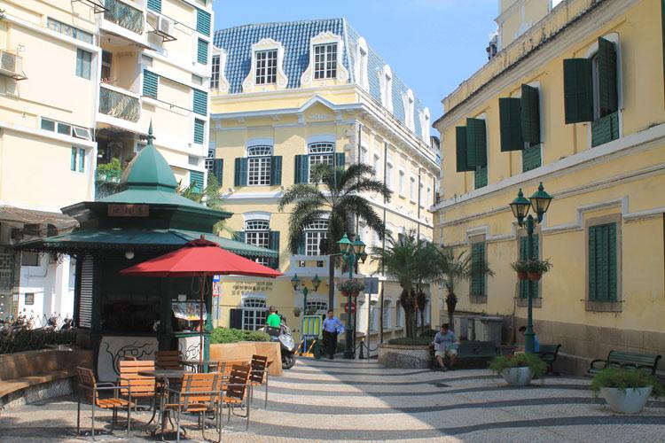A day trip to Macau: St Augustine Square