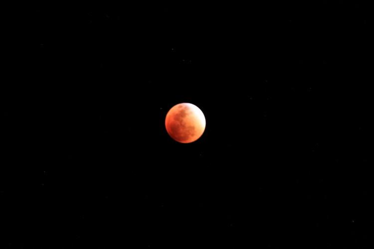 super-blood-moon-peru