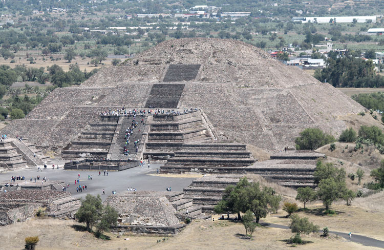 Teotihuacan massive pyramids near mexico city for Vacation to mexico city
