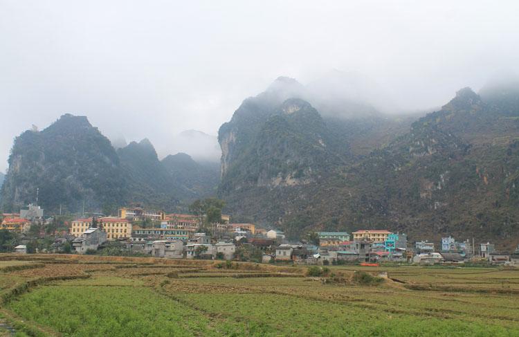 dong-van-town