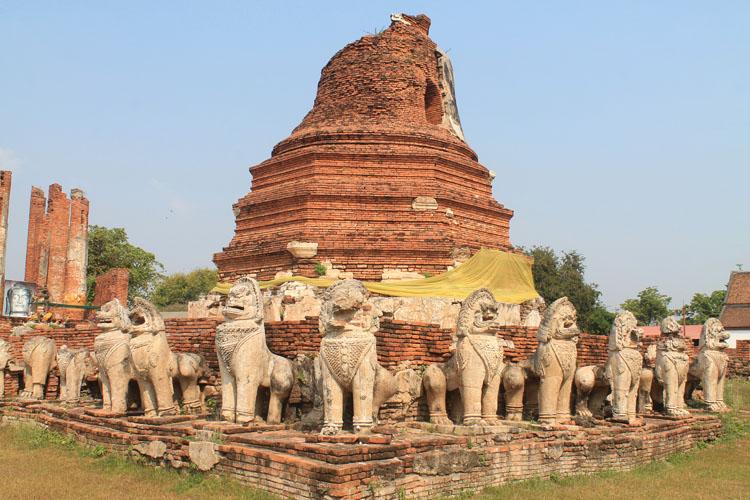 Cycling to the ruins in Ayutthaya, Thailand -- Wat Thammikarat