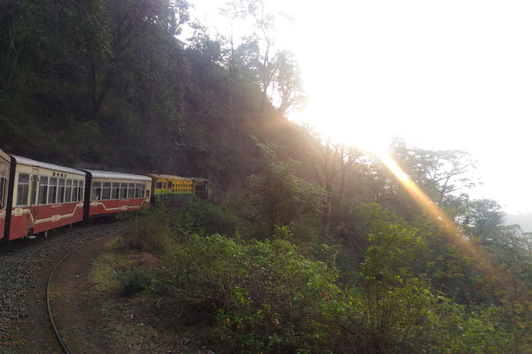 toy-train-shimla-india