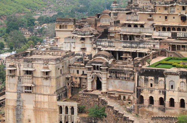 The streets of Bundi, Rajasthan, India -- Garh Palace