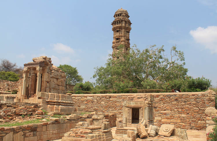 ruins-victory-tower-chittor