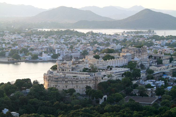 udaipur-city-palace-from-above