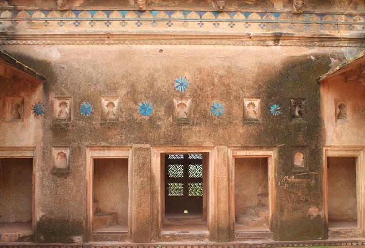 jehangir-mahal-tiles