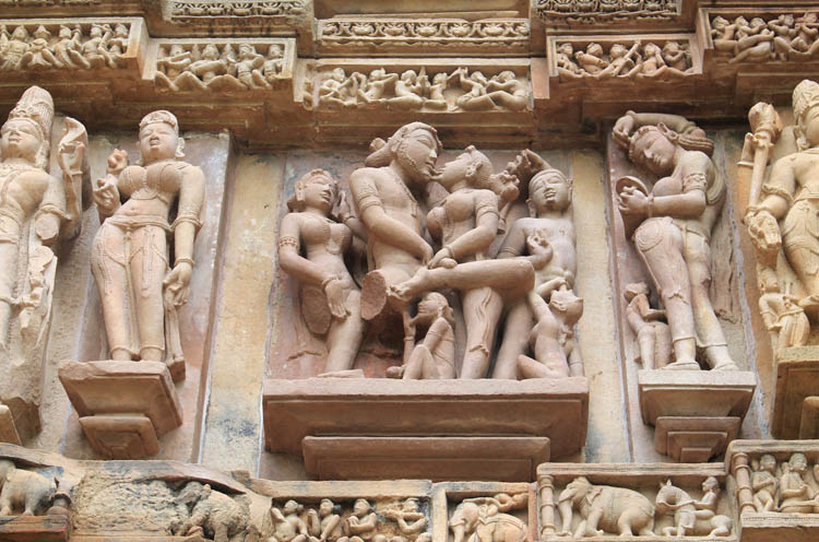 khajuraho-temple-carvings