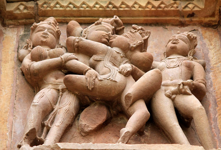 sex-carvings-india