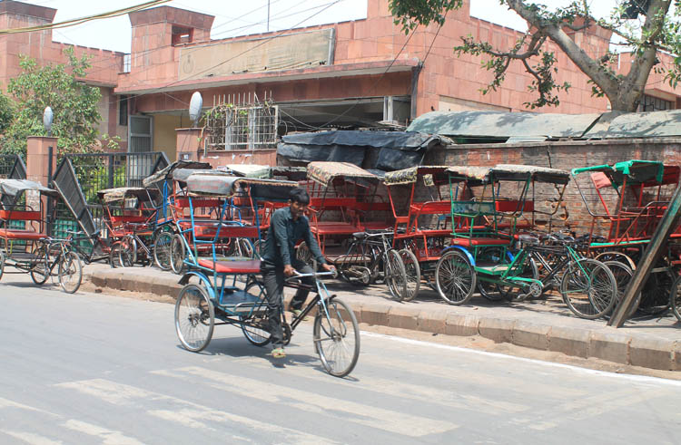 cycle-rickshaw-delhi-india