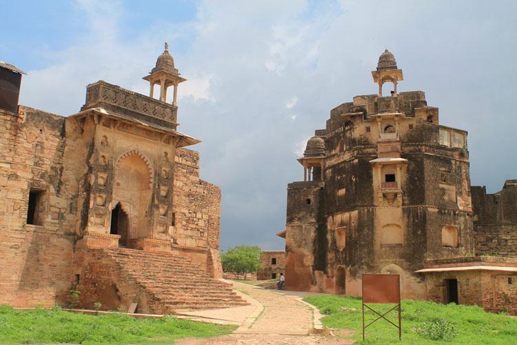 gwalior-fort-ruins-india