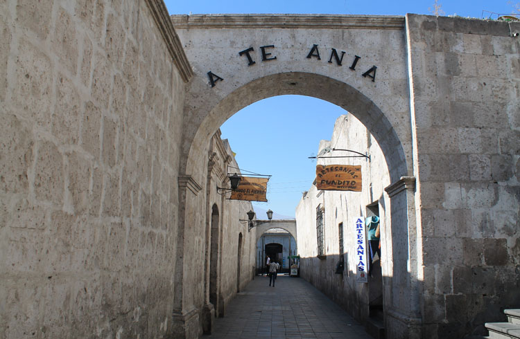historic-lane-arequipa-peru