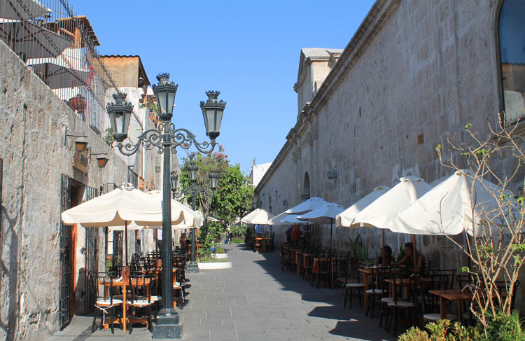 outdoor-restaurants-arequipa-peru