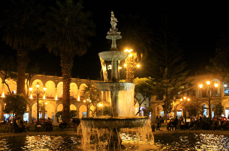 plaza-de-armas-arequipa-at-night
