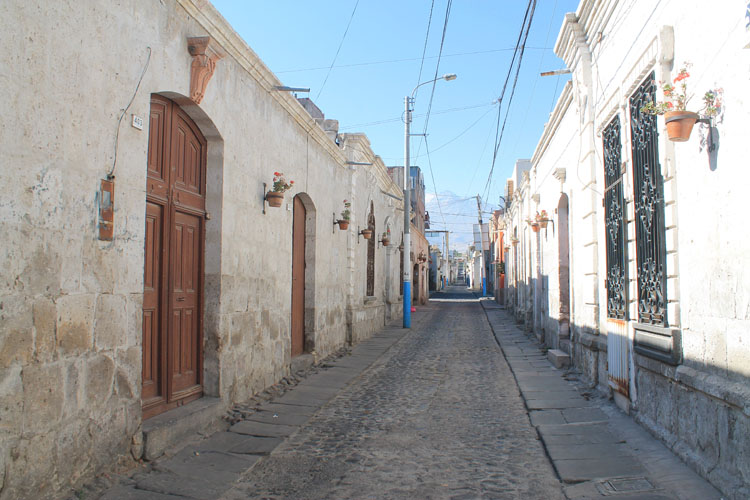 white-buildings-arequipa-peru
