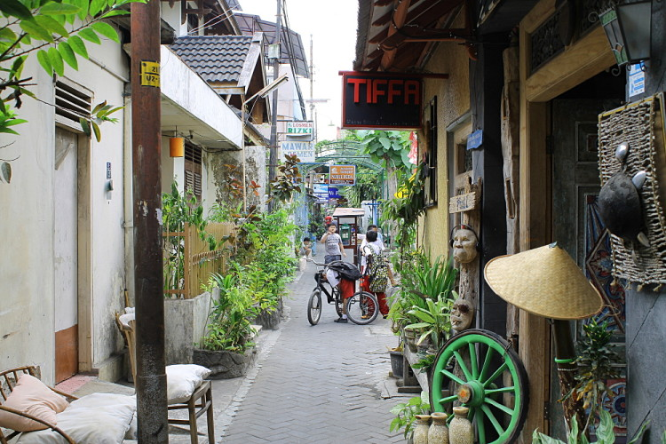 An alley near Jalan Malioboro, a great base for a week in Java