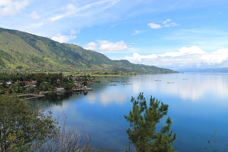 A beautiful view of the sky reflecting on the lake, Lake Toba, Sumatra, Indonesia