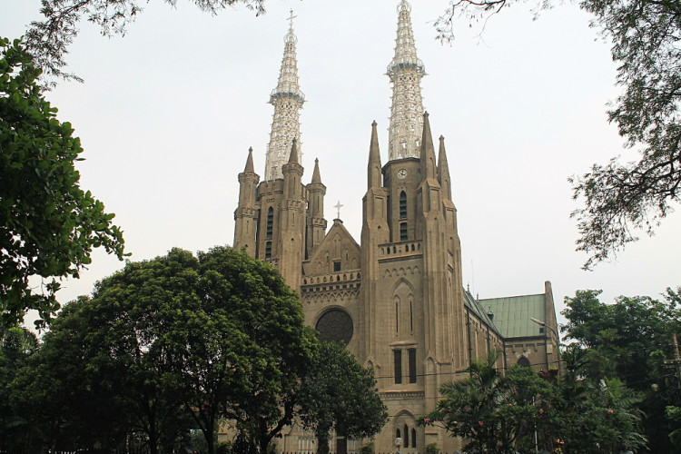Things to do in Jakarta, Indonesia: An old church