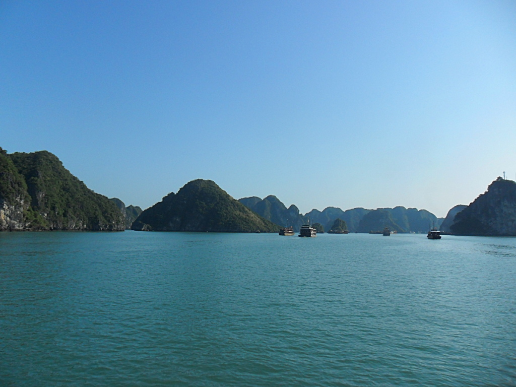 The start of my cheap Ha Long Bay cruise in Vietnam