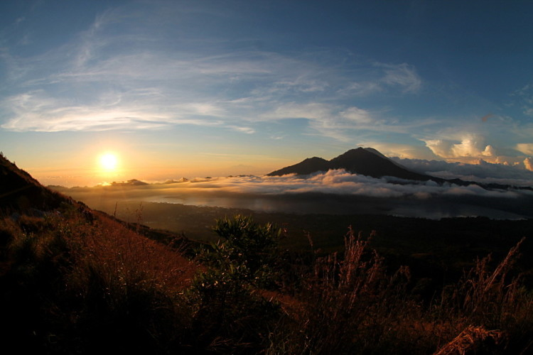 Backpacking in Southeast Asia highlights: Sunset at Mt Batur, Ubud, Bali, Indonesia