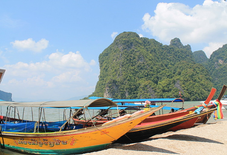 Boats in Phang Nga Bay, a highlight if you travel to Phuket
