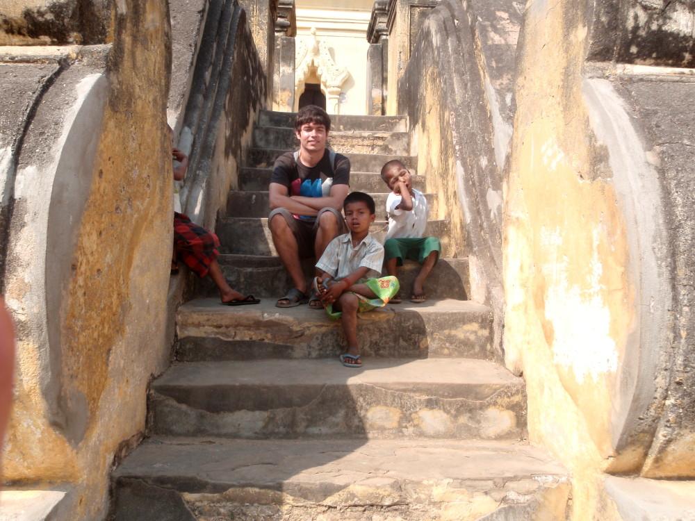 kids I met travelling in Myanmar