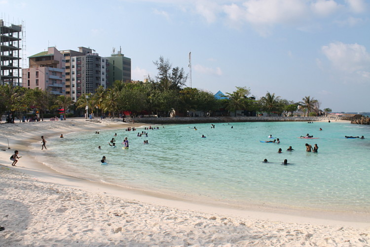 A day in Malé - the public beach