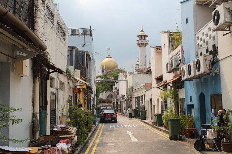 A back alley in Kampong Glam, on of the historical districts in Singapore