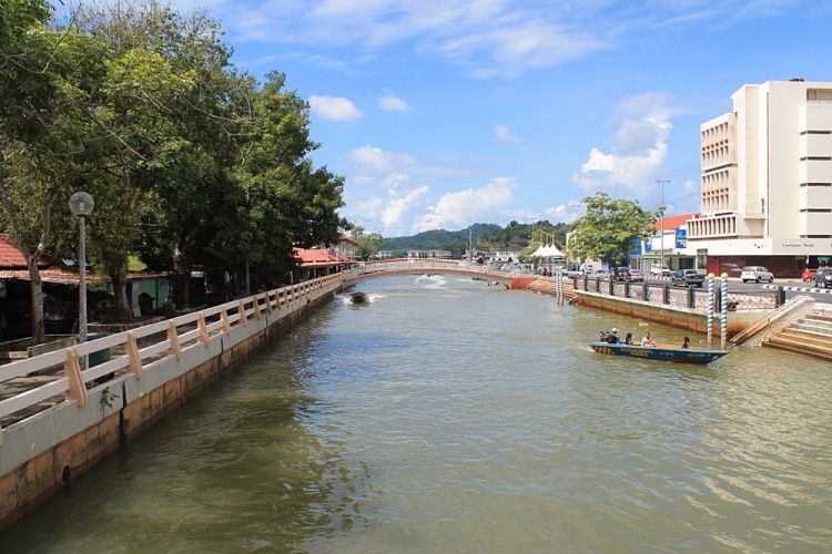 Things to do in Brunei: River walk